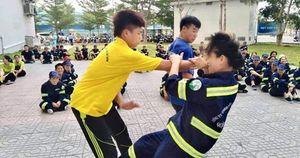 Trang bị kỹ năng tự vệ cho công nhân vệ sinh