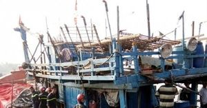 Quảng Ngãi: Cháy tàu cá, thiệt hại hàng tỷ đồng