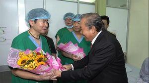 Phó Thủ tướng thường trực Trương Hòa Bình thăm và làm việc tại BV Quân y 175