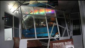 Xe khách tông nhà chờ làm 1 người chết ở Cà Mau: Lơ xe có nồng độ cồn cao