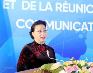 Chủ tịch Quốc hội dự khai mạc Hội nghị mạng lưới nữ nghị sỹ
