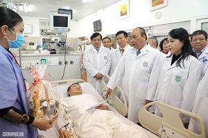Thủ tướng: Sự hy sinh của thầy thuốc đem lại nụ cười cho người bệnh