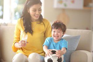 Chọn sữa giúp trẻ tránh táo bón