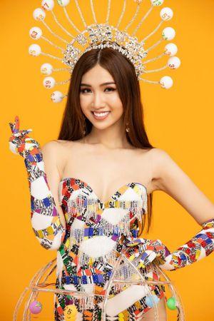 Trang phục dân tộc gây tranh cãi của Đỗ Nhật Hà: Đẹp lạ và cầu kỳ
