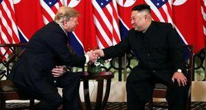 Khoảnh khắc ấn tượng trong ngày làm việc đầu tiên của lãnh đạo Mỹ - Triều