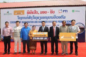 Doanh nghiệp Việt Nam xây trường học tặng Lào