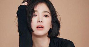 Động thái đầu tiên của Song Hye Kyo sau tin đồn ngoại tình: Đăng ảnh na ná cô bạn thân 'tiểu tam' là có ý gì?