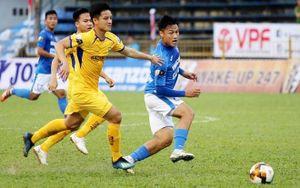 Hà Nội FC may mắn có điểm, Than Quảng Ninh hòa trên sân nhà