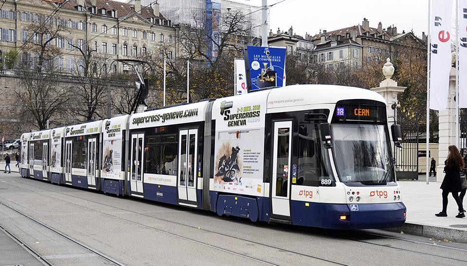 Phát triển các loại hình vận tải khách công cộng hiện đại
