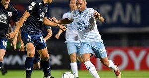 Bóng đá Thái 'rút ruột' V-League