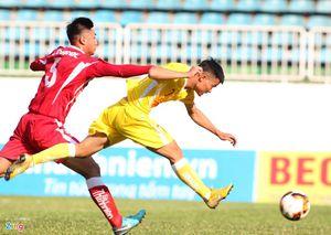 Cầu thủ Việt kiều bỏ Roma về quê hương chăm sóc bố