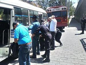 Interpol bắt giữ 560 tội phạm buôn bán vũ khí tại Mỹ Latinh