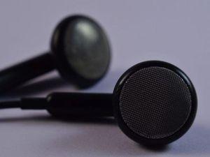 Bị điếc vì ngủ quên khi dùng tai nghe