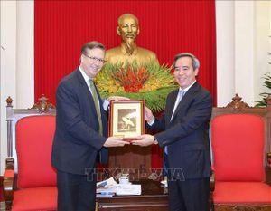 Đồng chí Nguyễn Văn Bình tiếp Đoàn đại biểu Hội đồng Kinh doanh Hoa Kỳ-ASEAN