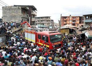 Nigeria: Trên 100 học sinh mắc kẹt trong tòa nhà sập