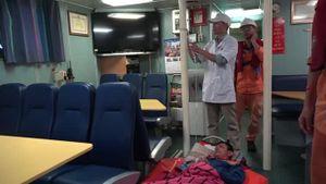 Cấp cứu thuyền viên tàu cá lâm bệnh tại ngư trường Hoàng Sa