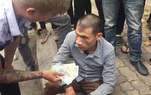 Hà Nội: Bắt quả tang người đàn ông ăn mặc bảnh bao trộm tài sản của sinh viên