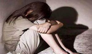 Gã hàng xóm nhiều lần hiếp dâm con gái 10 tuổi của bạn thân lĩnh án