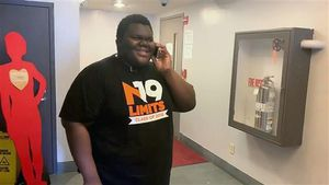 Một học sinh vô gia cư ở Mỹ được 17 trường cấp học bổng