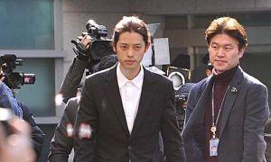 Sau phiên thẩm vấn đầu tiên, cảnh sát khám nhà và xin lệnh bắt giữ Jung Joon Young