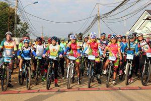 Đinh Văn Linh 3 năm liên tiếp về nhất giải xe đạp địa hình quốc tế