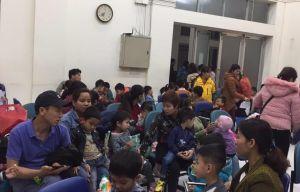 Vụ nhiễm sán lợn ở Bắc Ninh: Dậy từ bốn giờ sáng đưa con đi xét nghiệm