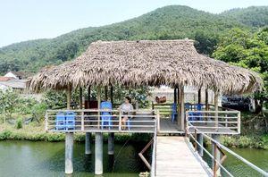Hoành Bồ khuyến khích nông dân làm du lịch