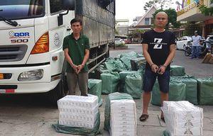 Tạm giữ tài xế xe tải chở 23.000 gói thuốc lá lậu
