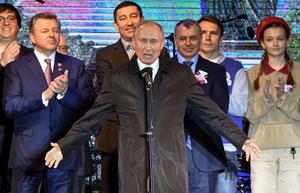 Tổng thống Putin tiết lộ 'bí mật nhỏ' khi khai trương 2 nhà máy điện tại Crimea