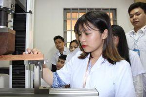 Nhìn từ nghịch lý ngành Gỗ: Doanh nghiệp khát nhân lực, trường ĐH 'đỏ mắt' tuyển sinh