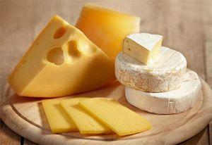 Bộ Công Thương khuyến cáo phô mai sữa dê nhập khẩu nhiễm khuẩn