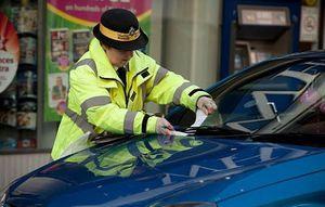 Cảnh sát lái xe cẩu thả, 75 lần phạm luật giao thông trong hai năm