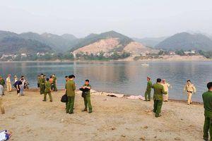 Kinh hoàng 8 học sinh chết đuối trên sông Đà
