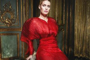 Tiểu thư Hoàng gia Anh kiêu sa trên tạp chí thời trang