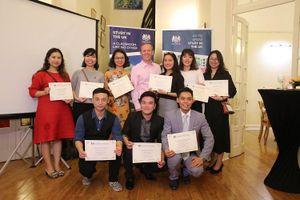 Bữa tiệc 'đặc biệt' tại nhà riêng Đại sứ Anh đón 10 du học sinh xuất sắc