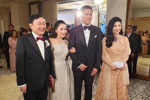 Ông Thaksin và bà Yingluck bất ngờ xuất hiện ở Hong Kong
