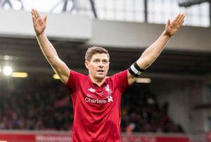 Gerrard tỏa sáng giúp đội huyền thoại Liverpool đánh bại AC Milan