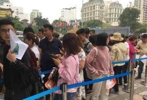 Rồng rắn xếp hàng mua gì tại Hội chợ Du lịch lớn nhất năm?