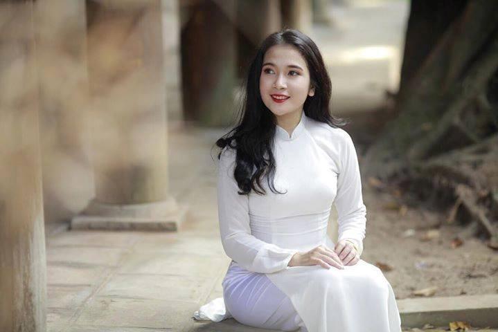 Sinh viên Công đoàn hào hứng với cuộc thi sắc đẹp trên facebook