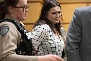 Cô gái đẩy bạn thân xuống cầu gẫy 5 xương sườn chỉ bị ngồi tù 2 ngày