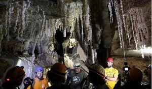 Israel phát hiện hang muối dài nhất thế giới gần nơi có điển tích Kinh thánh 'người muối'