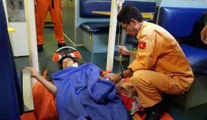 Kịp thời cấp cứu nhiều thuyền viên bị nạn trên biển