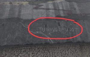 Dân mạng phẫn nộ đòi truy tìm người khắc dòng chữ 'Tú love Nhung' trên nóc nhà Đông Dương