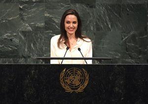 Nhan sắc Angelina Jolie ngày càng thăng hạng hậu chia tay Brad Pitt