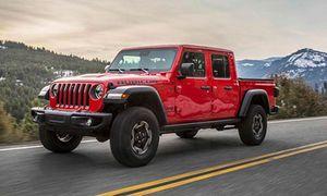 Bán tải Jeep Gladiator mới có giá từ 778 triệu đồng