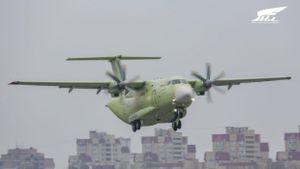 Máy bay vận tải quân sự Il-112V của Nga lần đầu cất cánh