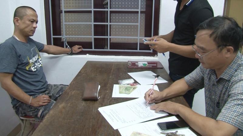 Bắt quả tang đối tượng tàng trữ hơn 2.000 viên ma túy