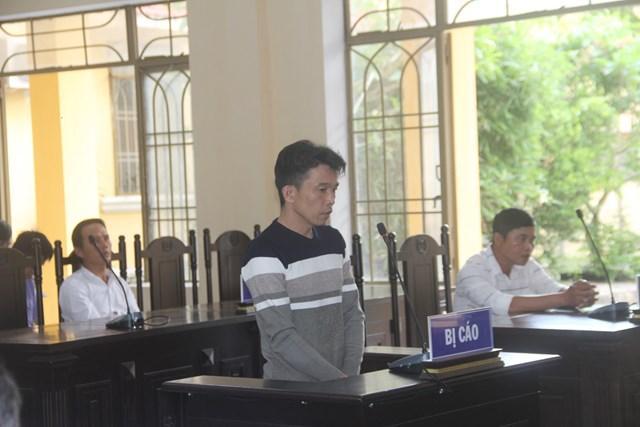 Quảng Nam: Kẻ cầm rựa chặt vợ bị lãnh án 8 năm tù