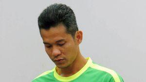 Bất ngờ với án phạt cầu thủ Cần Thơ đá bóng vào lưới nhà