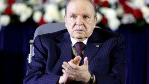 Tổng thống Algeria từ chức giữa sức ép quân đội sau 20 năm nắm quyền